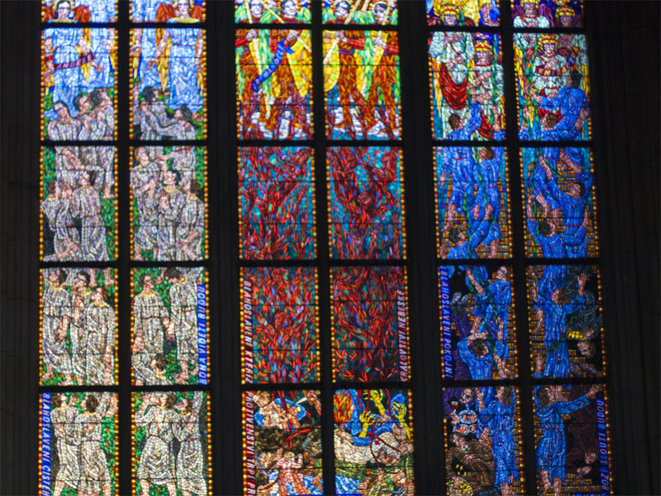 10.5_St-Vitus-Stained-Glass-Prague