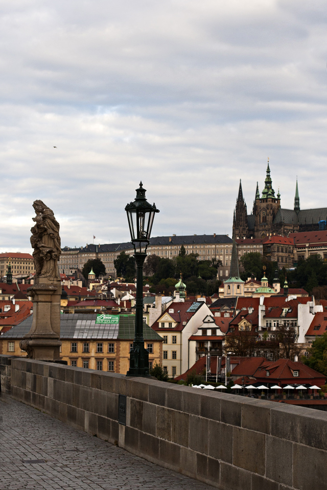 13_Charles-Bridge-Vitus-Cathedral