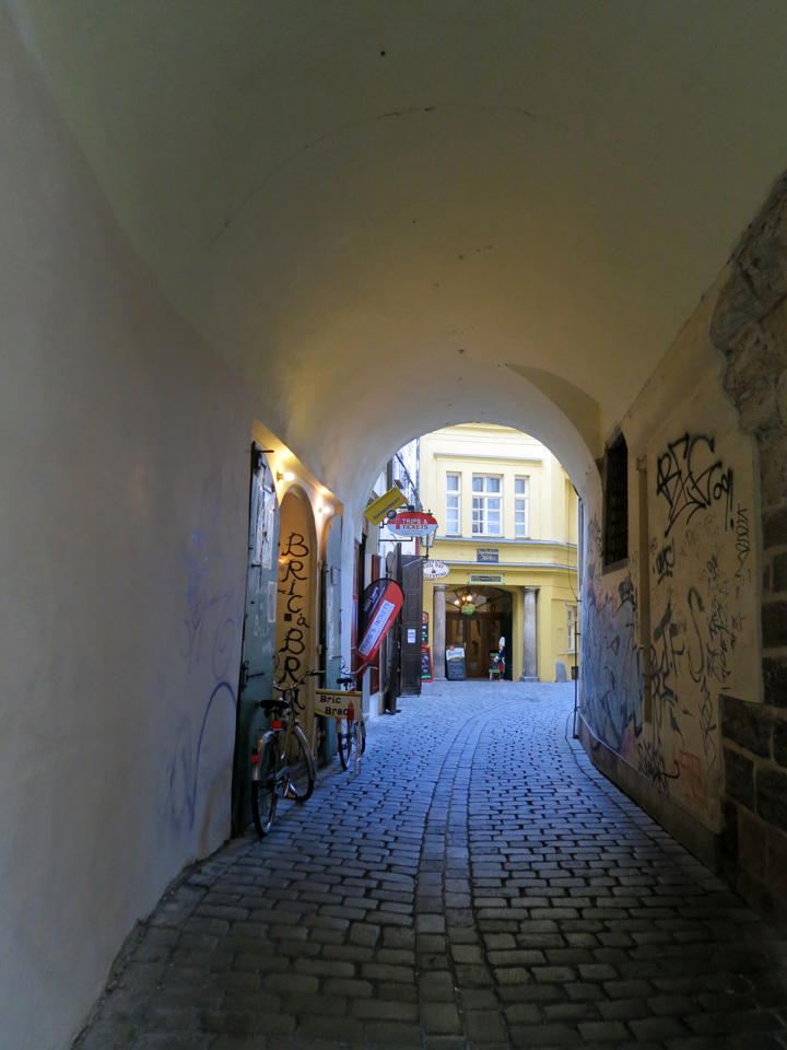 18_Bric-a-Brac-Prague