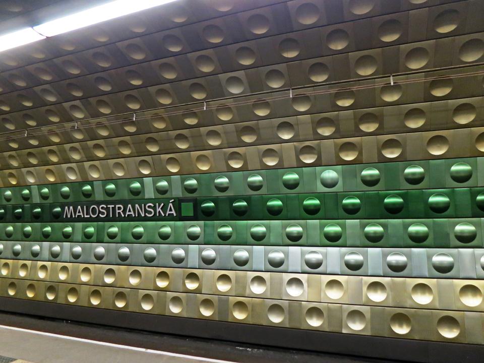 1_Malostranska-Subway