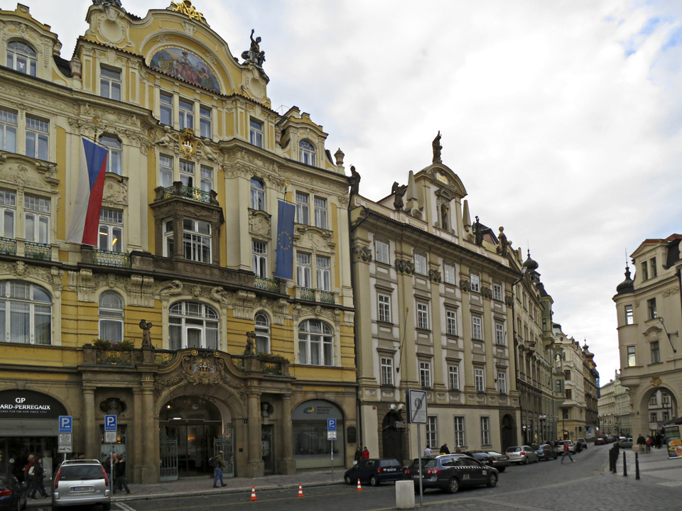 23_Old-Town-Prague-buildings