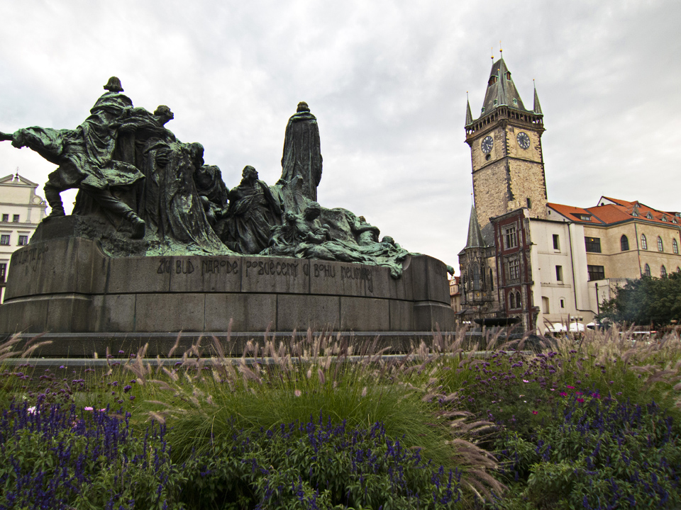 25_Jan-Hus-Memorial-Old-Town-Prague