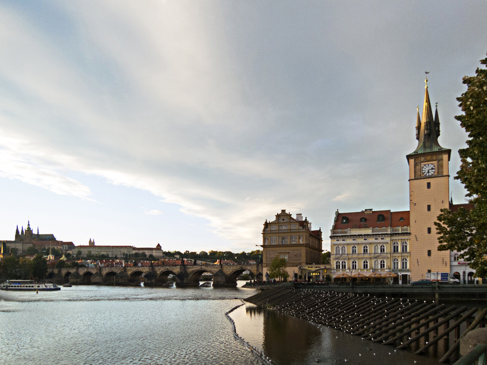33_Vltava-River-Prague-St-Charles-Bridge