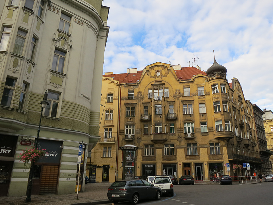 4_Beautiful-Prague-Buildings