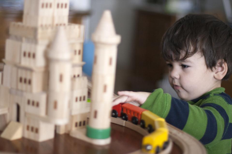 5_Liam-train-castle