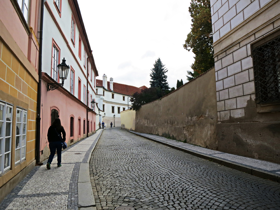 7_Prague-Street-Sidewalks