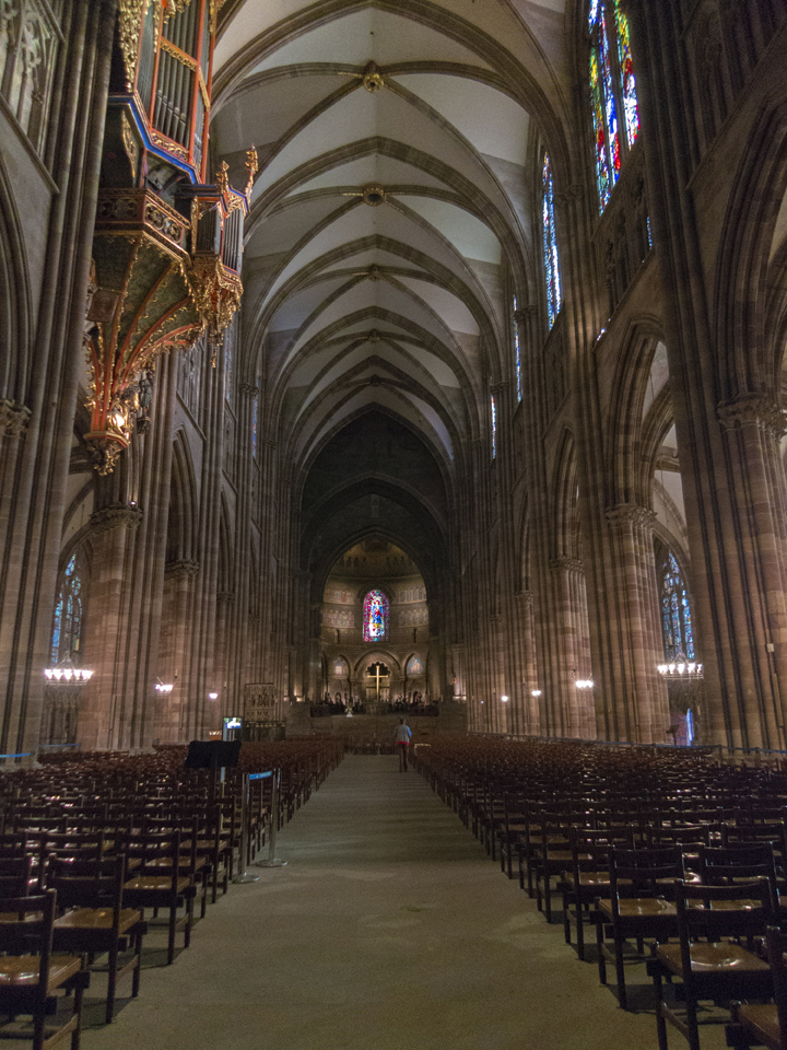 10_Strasbourg-Cathedral-interior