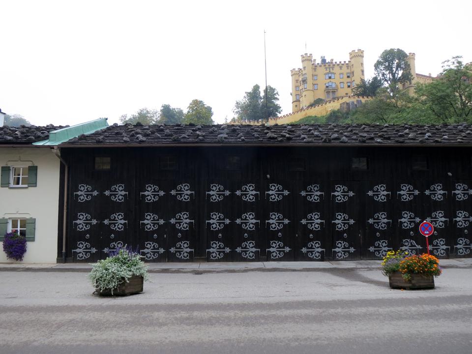 11_Fussen-decorative-hinges-Schloss-Hohenschwangau