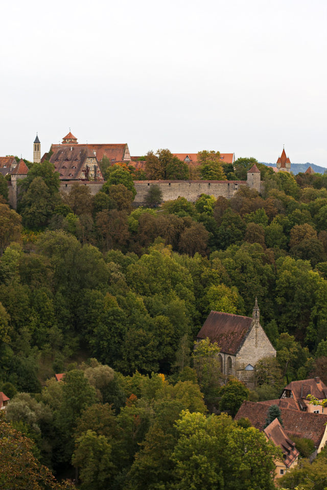 11_Walled-Village-Rothenburg-ob-der-Tauber