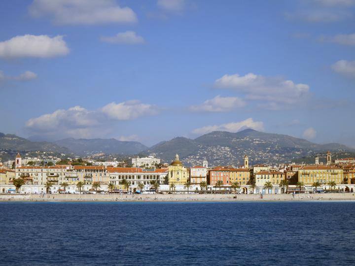 14_Nice-Shoreline-Buildings