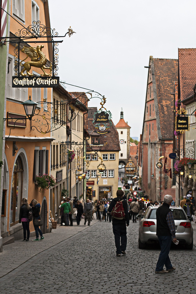 15.5_Iron-signs-Rothenburg-ob-der-Tauber