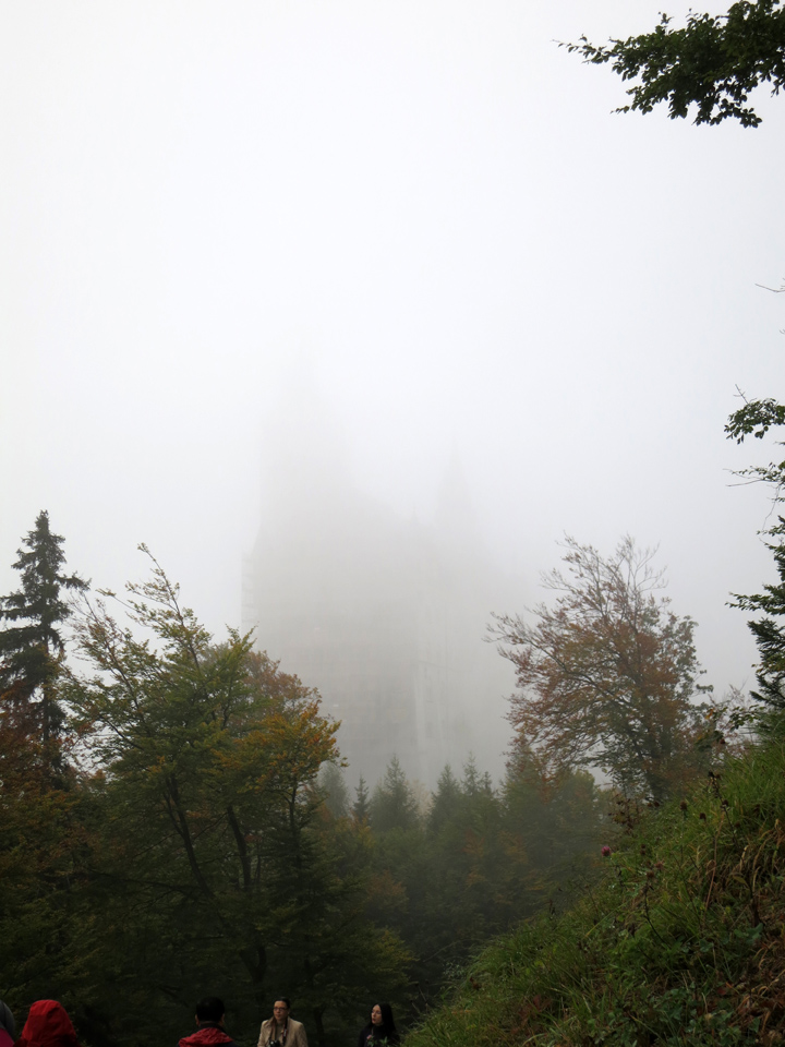 Can you seen the misty outline of Neuschwanstein?
