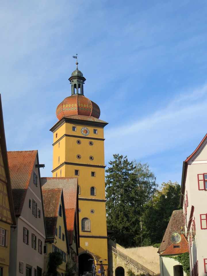 16_Dinkelsbuhl-Gate-Onion-Dome