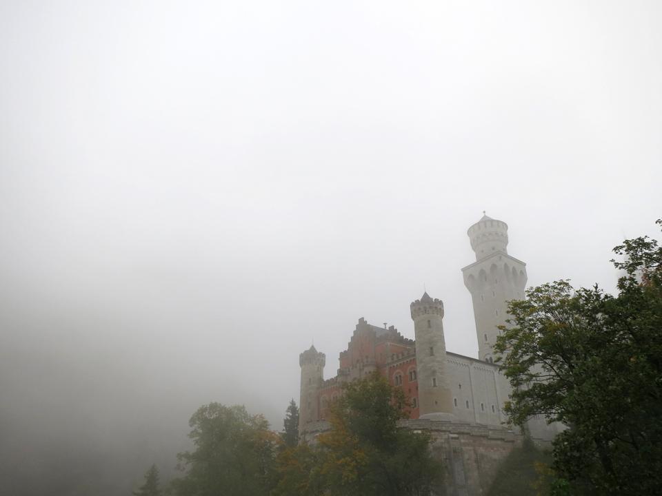 20_Neuschwanstein-fog-mist-Bavaria