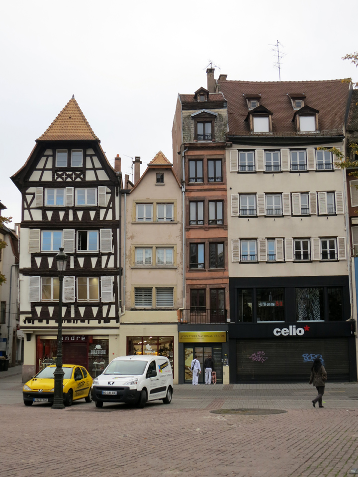 3_Narrow-houses-Strasbourg
