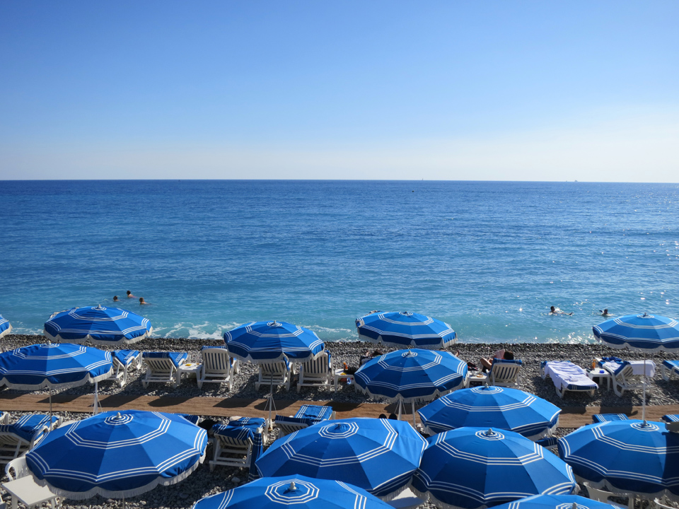 5_Blue-Beach-Umbrellas-Nice-France-Mediterranean