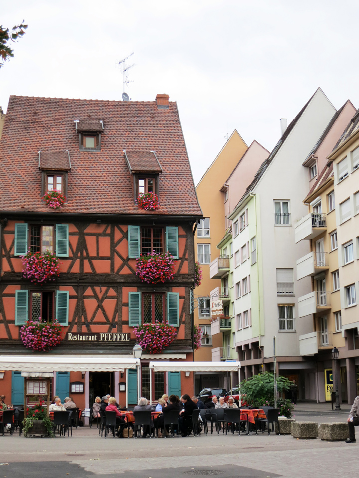 6_Colmar-old-and-new