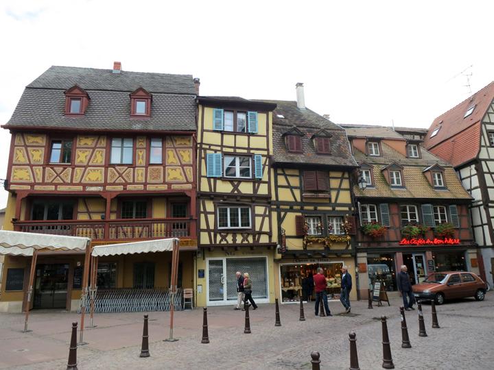 7_Crooked-buildings-Colmar