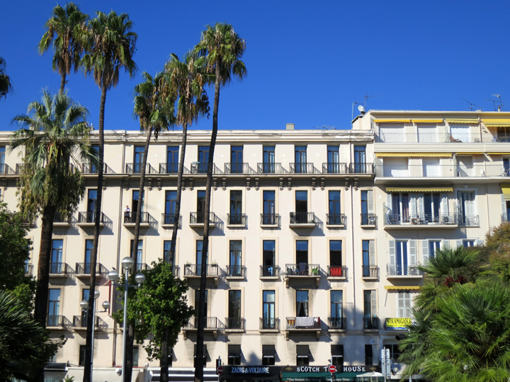 7_Palm-trees-and-balconies