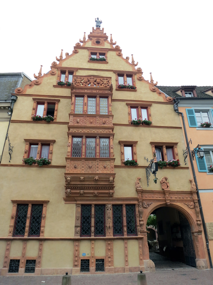 8_Colmar-House-of-Heads