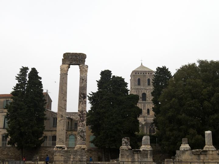 13_Roman-Ruins-Arles
