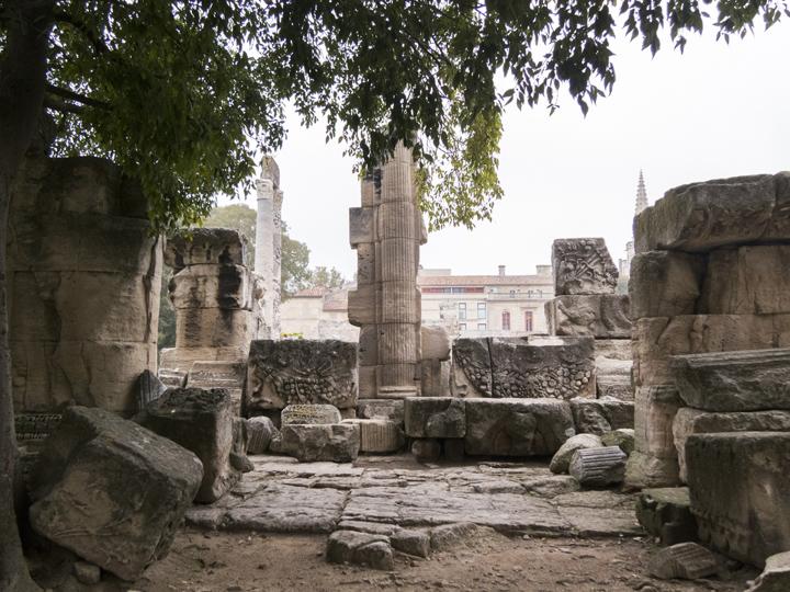 15_Arles-Roman-Ruins-Details
