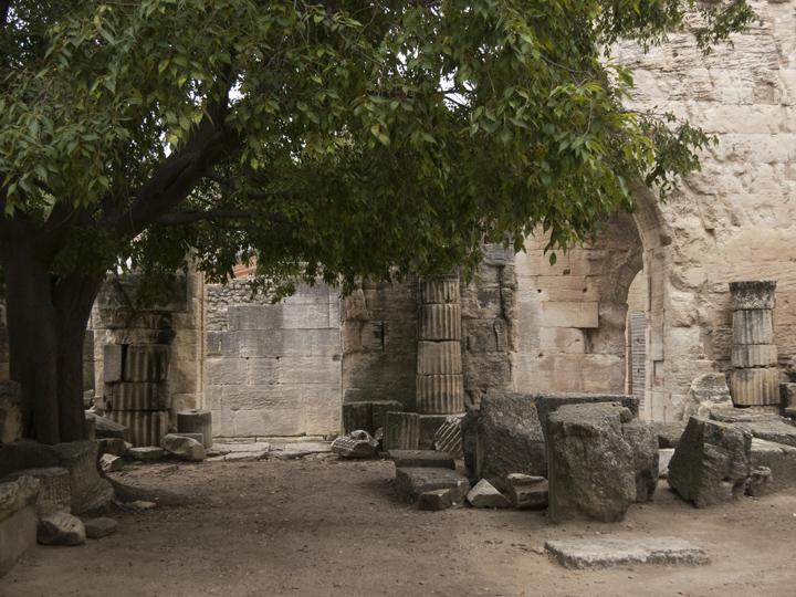 18_Roman-Ruins-Arles-France