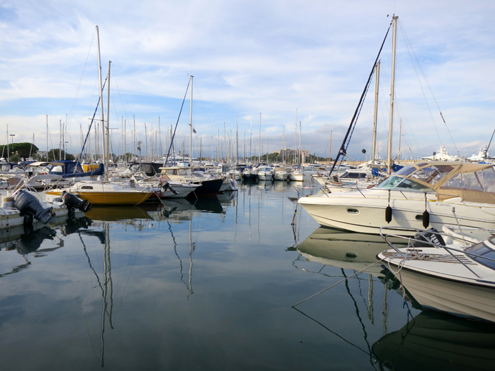 1_Boats-in-Antibes
