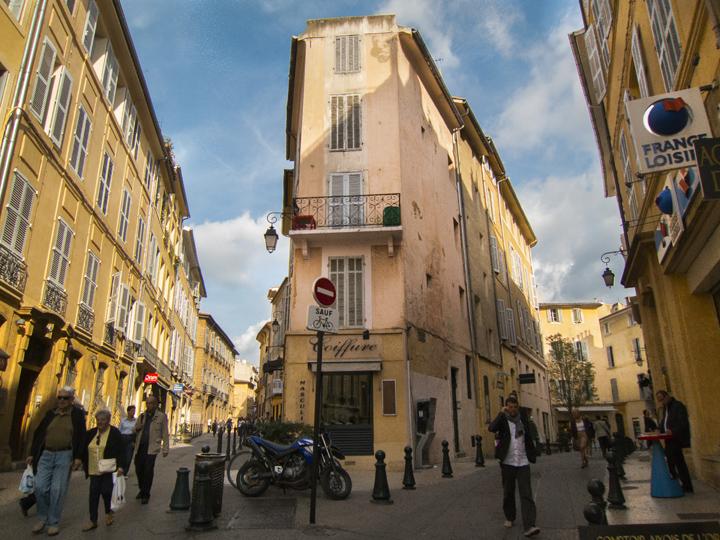 3_Corner-Streets-Aix-en-Provence