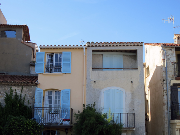 3_Houses-in-Antibes-France