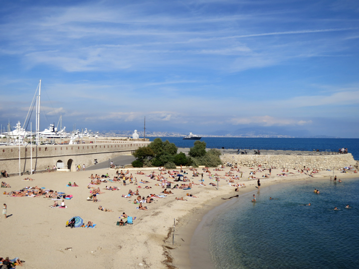 9_Sandy-beaches-Antibes-France