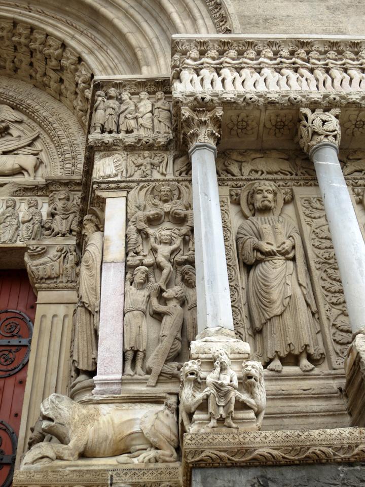 5_Arles-Church-Relief-Sculpture