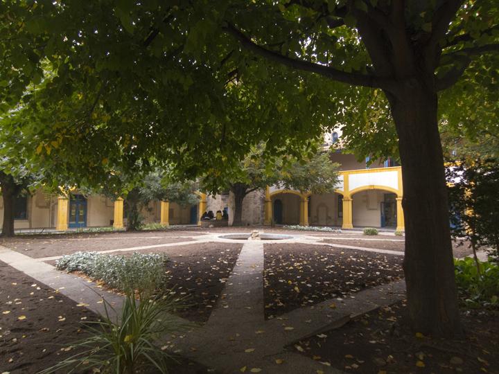 9_Van-Gogh-Hospital