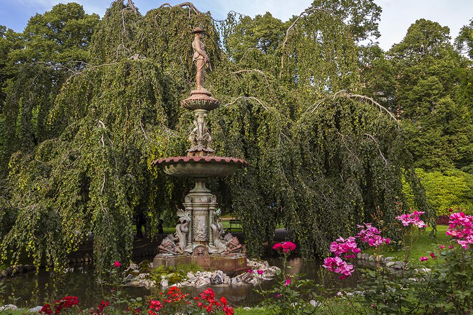Monument-Halifax-Public-Gardens
