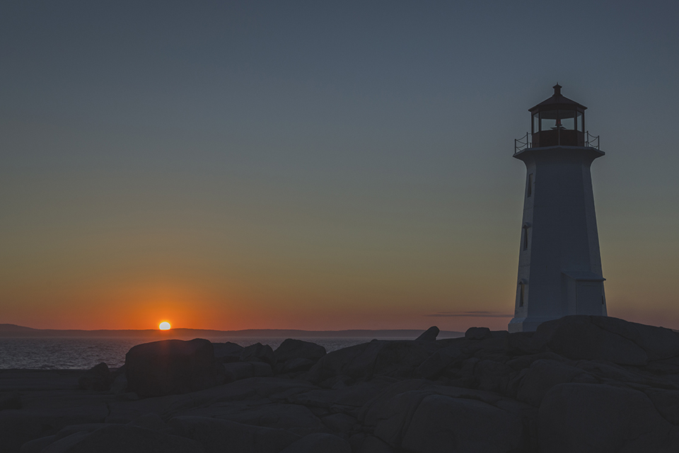 Peggys-Cove-Lighthouse-Sunset