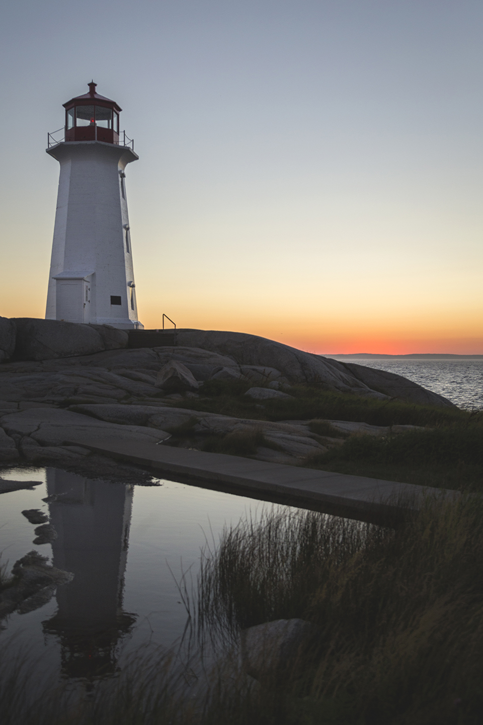 Peggys-Point-Lighthouse-Reflection