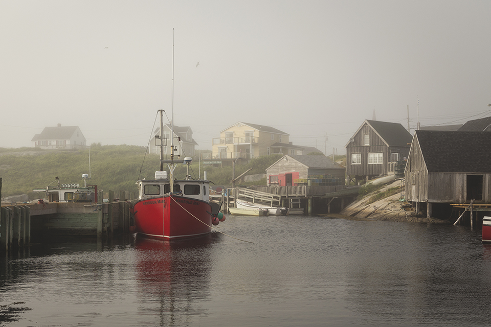 Red-Fishing-Boat-Peggys-Cove